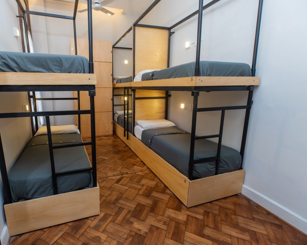 Single bed in Female dormitory Room + FREE WIFI